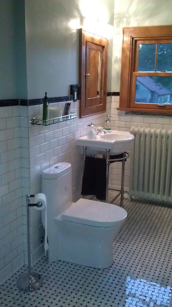 Elegant bathroom photo in Minneapolis