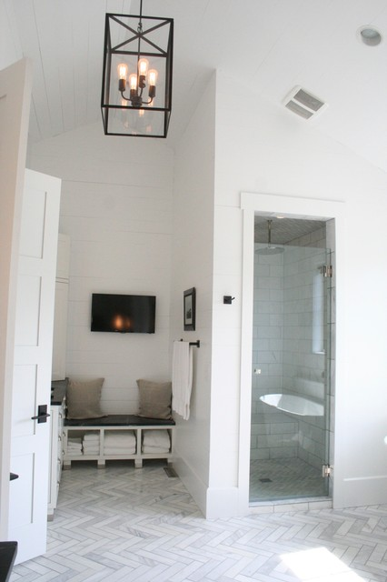 Urban farmhouse for Urban bathroom ideas