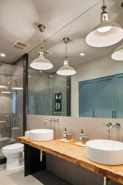 Urban modern scandinavo stanza da bagno houston di - Stanze da bagno moderne ...