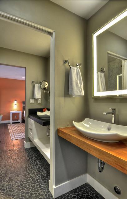 Vacation Rental contemporary-bathroom