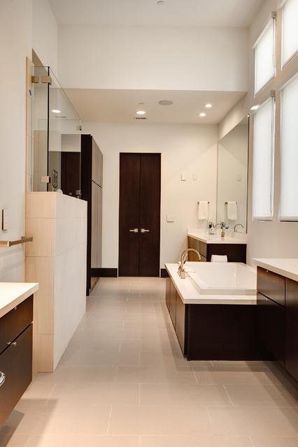 Valerie St. Houston, Tx contemporary-bathroom
