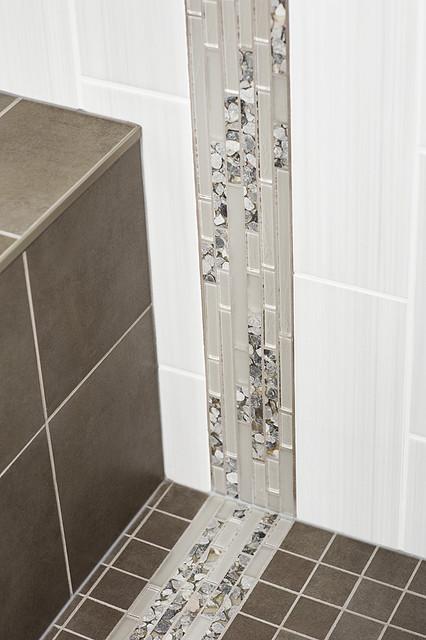 Valley Ridge Basement 1 contemporary-bathroom