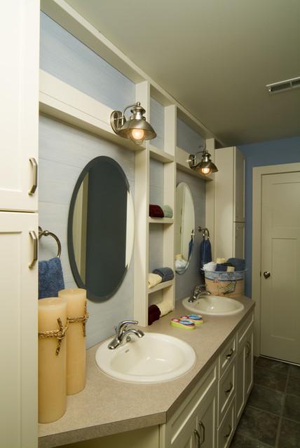 Van Singel Lake tropical-bathroom