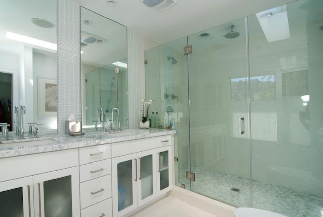 Van Williamson modern-bathroom