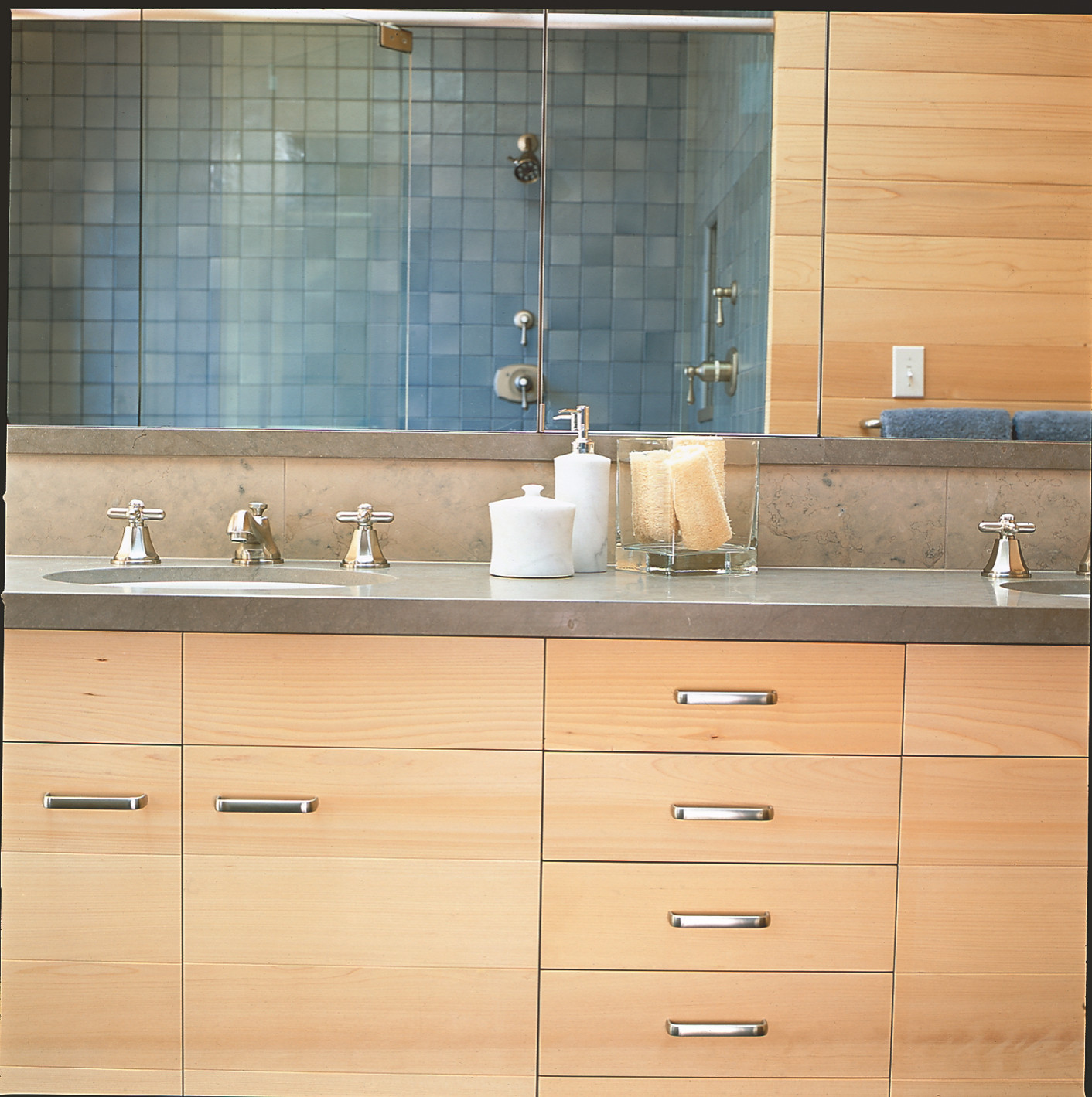 Vanity with two sinks and large mirror