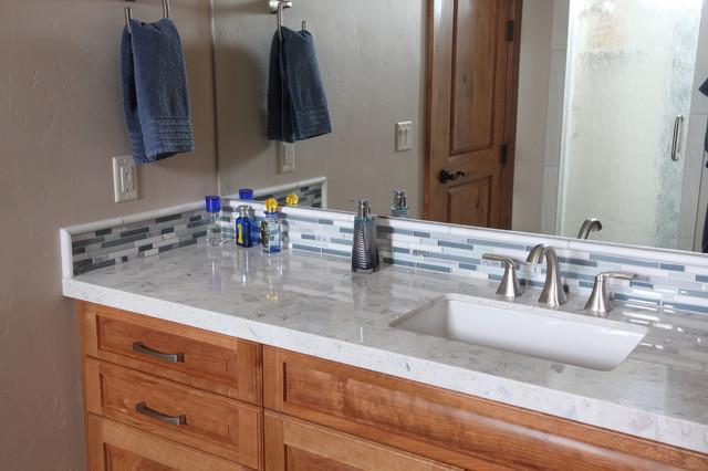 Veersteg Residence traditional-bathroom