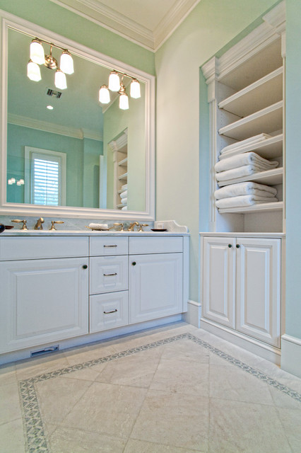 Vero Beach traditional bathroom