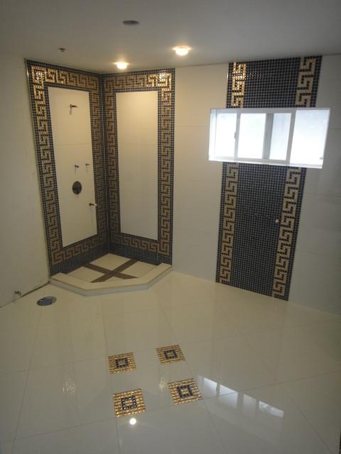 Versace Bathroom By Our Genius Tile Installer Minimalistisch Badezimmer