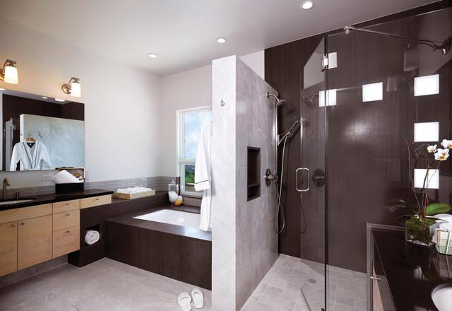 Via Verde Residence modern-bathroom