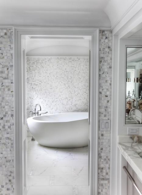 Vicente Burin Architects modern-bathroom
