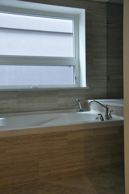 Victoria Ave. Residence #2 contemporary-bathroom