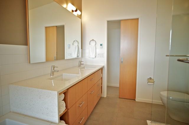 viewridge contemporary-bathroom