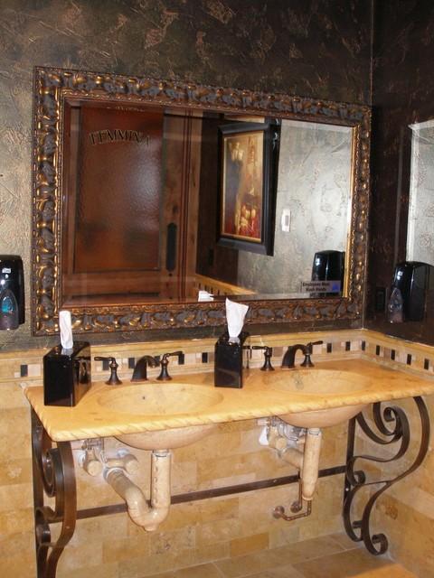 Villas traditional-bathroom