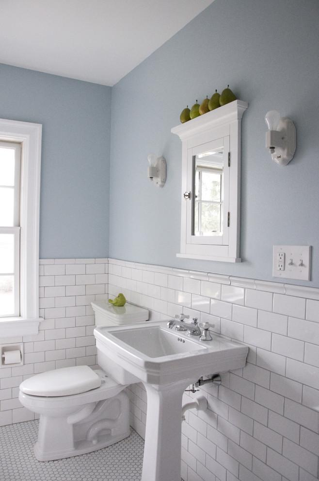 Inspiration for a timeless bathroom remodel in Philadelphia