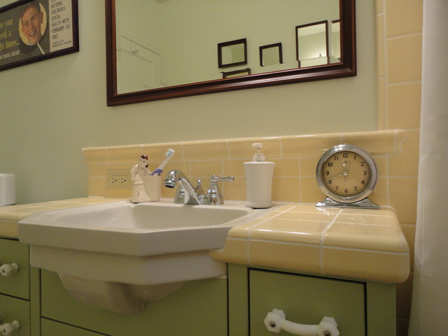 Vintage Green & Yellow Bath - Traditional - Bathroom - san ...