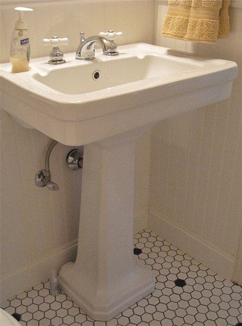 Retro Sinks Bathroom : All Rooms / Bath Photos / Bathroom