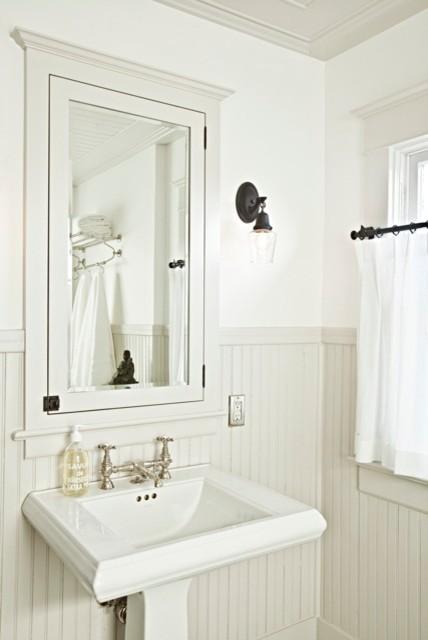 Traditional Modern Bathrooms