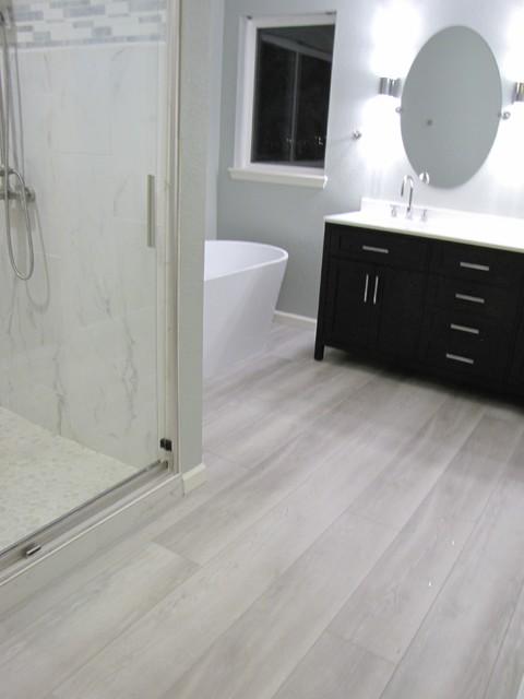 Vinyl Plank Flooring Engineered, Is Vinyl Plank Flooring Good In Bathrooms