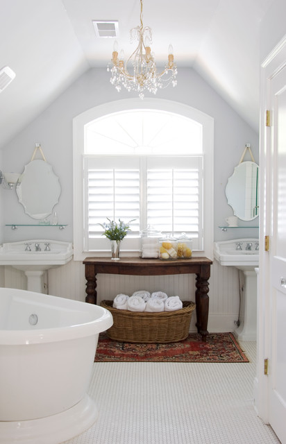 Virginia highlands cottage traditional bathroom for Small bathroom design cottage