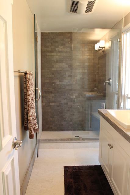 Vista Real Residence contemporary-bathroom