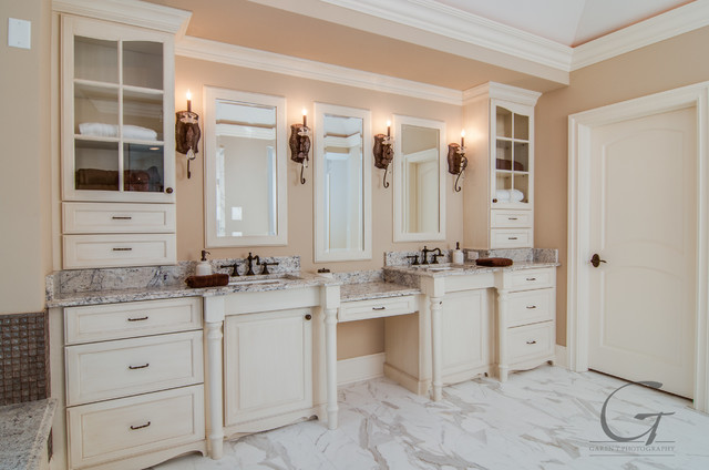 Wade Street Home by Distinguished Dwellings contemporary-bathroom
