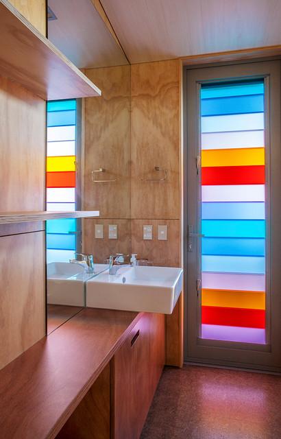 Waiheke Island Clifftop House contemporary-bathroom