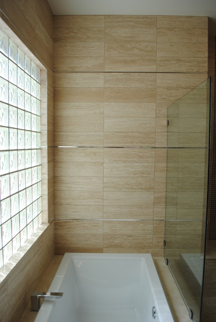 Wall detail contemporary-bathroom