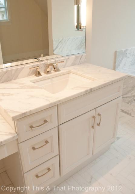Walsh traditional-bathroom