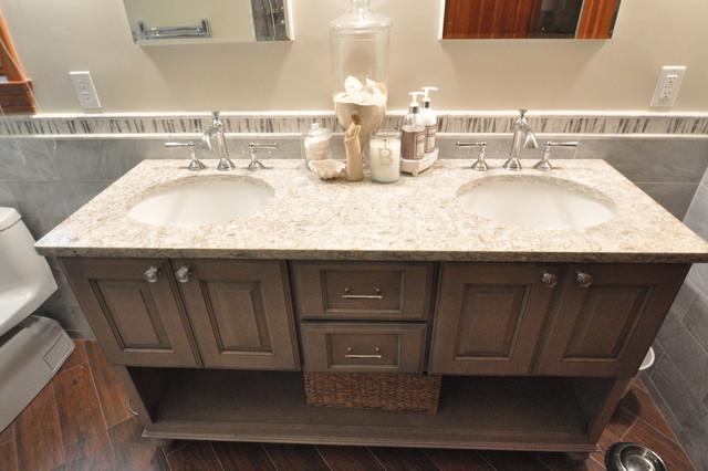 Warm and rustic Master Bath traditional-bathroom