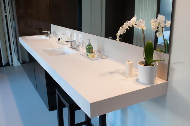 Warm Modern Bathroom Design : Warm modern bathroom houston by