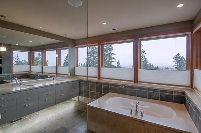 Warm woods - Stanze da bagno moderne ...