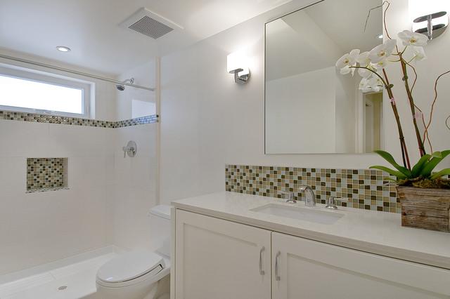 Warren Drive 2 contemporary-bathroom