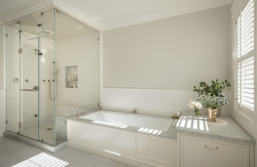 Luxurious white bathroom
