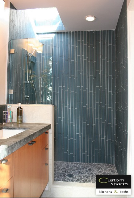 Waterfall shower wall modern bathroom