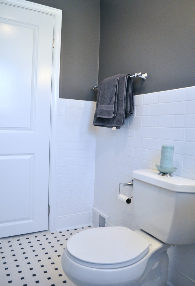 Bathroom - traditional bathroom idea in Philadelphia