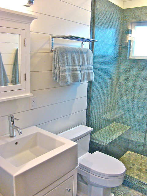 Wendy Resin Interiors beach-style-bathroom
