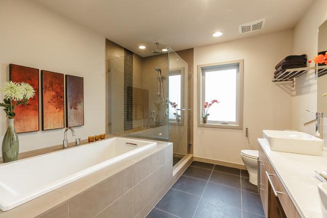 West Seattle contemporary-bathroom