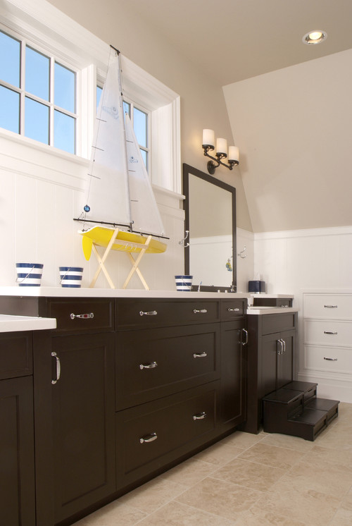 A guide to organizing your bathroom with built in storage for Houzz bathroom design guide