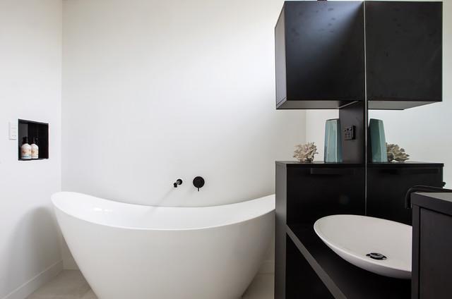 Westmere House - Auckland contemporary-bathroom