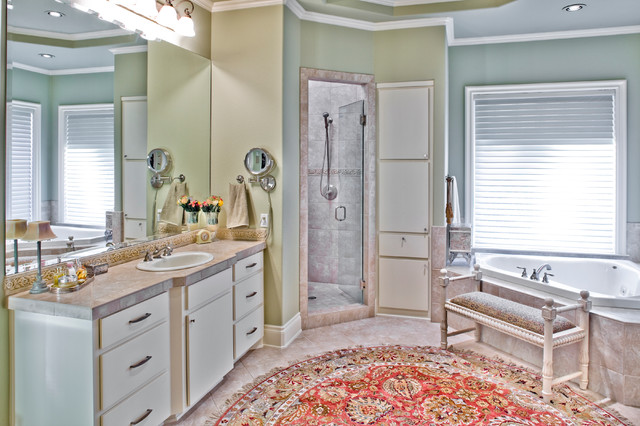 Westminster Mediterranean traditional-bathroom