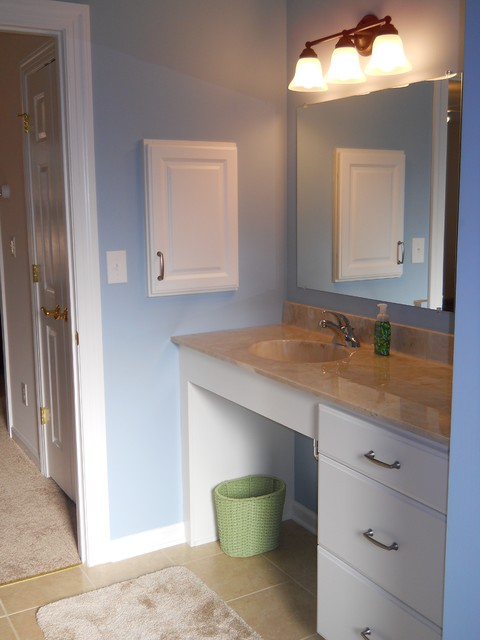 Wheelchair accessible vanity for Wheelchair accessible sink bathroom