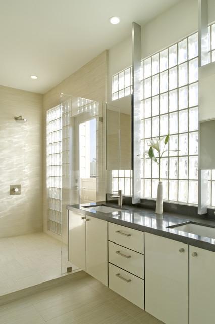 Whelan-Funston modern-bathroom
