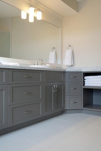 White grey bathroom contemporary bathroom calgary for Grey and white contemporary bathrooms