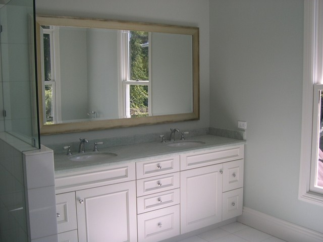 White bathroom cabinets traditional bathroom san for White bathroom furniture