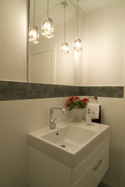 white bathroom modern-bathroom