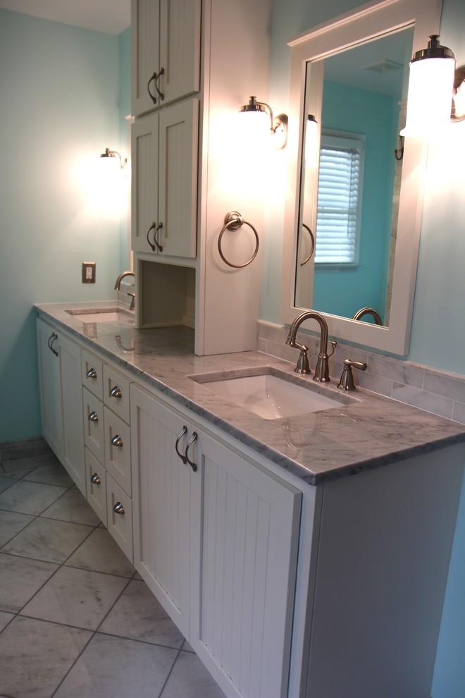 Example of a classic bathroom design in Atlanta