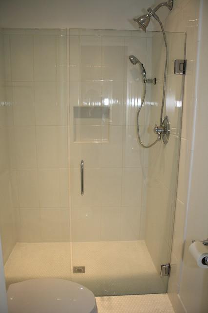 White Ceramic traditional-bathroom