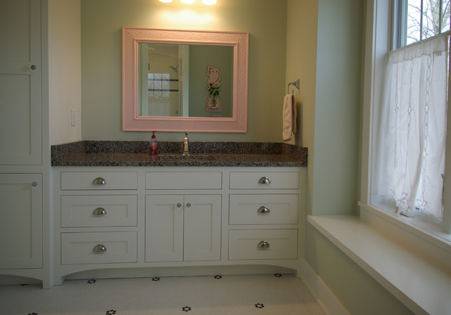 White Oak Residence - Traditional - Bathroom - milwaukee - by Highland Builders LLC
