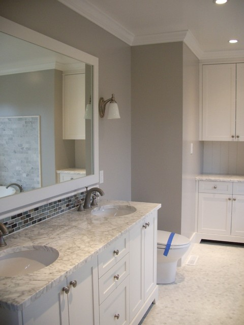 White painted bathrooms traditional bathroom for Houzz bathrooms traditional