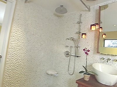 White Rapids Pebble Bathroom Tile Contemporary